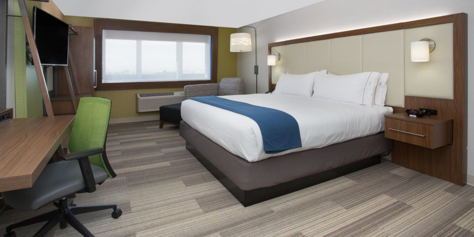 holiday-inn-express-and-suites-queensbury-4823338208-2×1