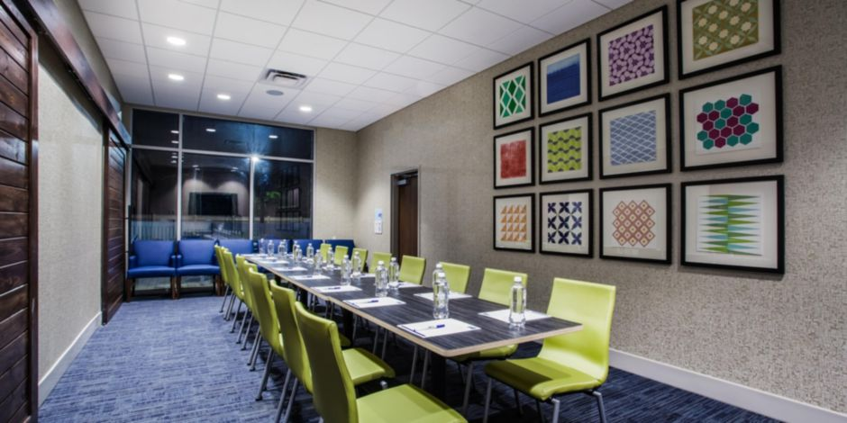 Holiday Inn Express Queensbury – Lake George